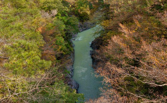 天然の要害、秋深まりゆく吾妻峡①